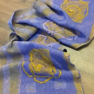 Стильный шарф из шерсти мериноса.