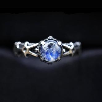 Серебряное кольцо с Лунным камнем 'ELIZ' | Серебряное кольцо