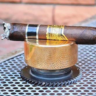 Бронзовая подставка для сигар