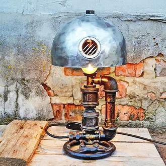 Настольная лампа из ретро деталей