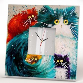 "Тематические часы ""Кошка с котятами"""