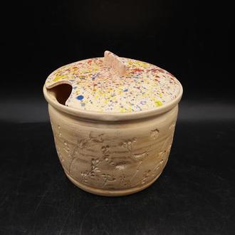 Сахарница керамическая с крышкой.