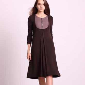 Платье из коричневого трикотажа. Размер M.
