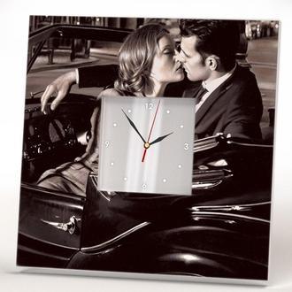"""Дизайн часы """"Поцелуй"""""""
