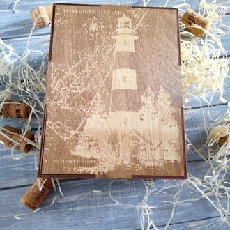 оробка для упаковки подарка мужчине в морском стиле.