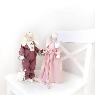 Пара свадебные зайки тильда подарок на свадьбу молодожёны жених и невеста декор