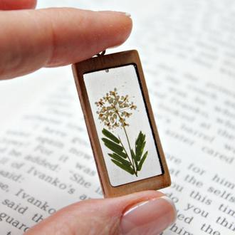 Эко кулон с полевыми цветами и травами