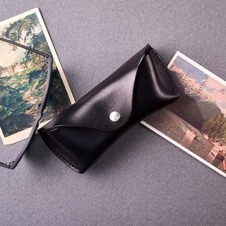 Футляр для очков Крис из натуральной кожи в черном цвете, 2 размера на выбор | 2_0044M_CRS