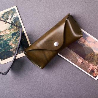 Футляр для очков  из натуральной кожи в оливковом цвете, 2 размера на выбор