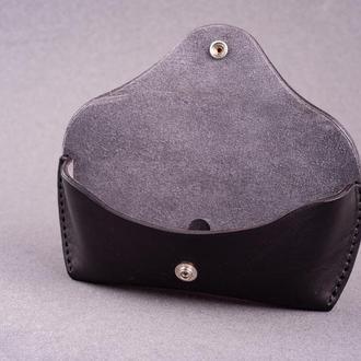 Футляр для очков из натуральной кожи с замшевой подкладкой в черном цвете, 2 размера на выбор