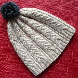 шапка в'язана з помпоном