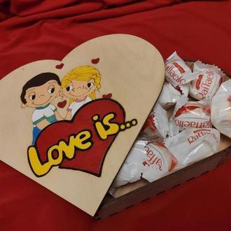 Шкатулка Love is...