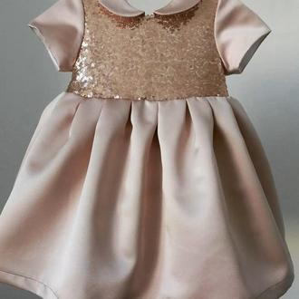 Красивое детское платье в паеточу