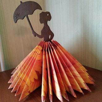 """Салфетница из дерева """"Дама с зонтиком"""""""