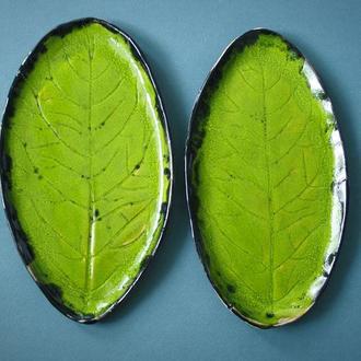 Тарелка зеленая керамическая Лист