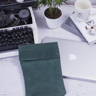 Кожаный чехол для iPad на хлястике зеленый