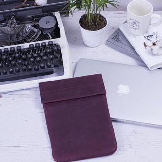 Кожаный чехол для iPad на хлястике бордовый