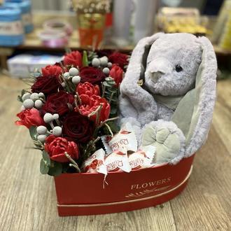 Серце з квітами і солодощами