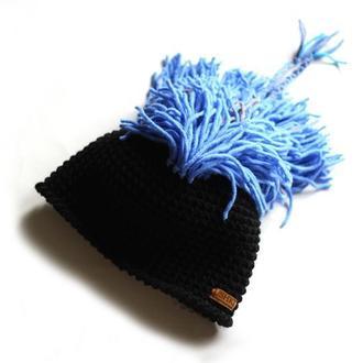 Шапка с волосами из пряжи