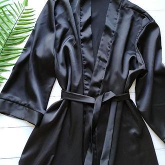 Женский шелковый халатик черного цвета
