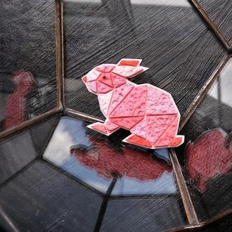 Брошка рожевий Кролик, Зайчик ( будь-який колір на замовлення )