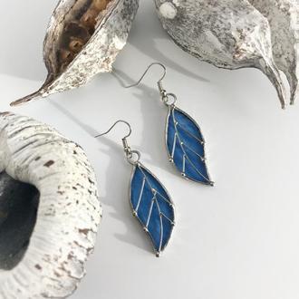 Голубые серьги листочки