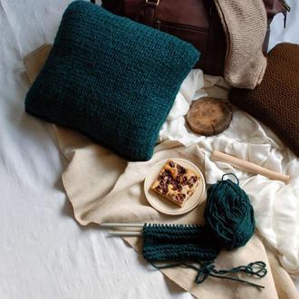 Вязанная подушка ручной работы 40х40 см крупной вязки