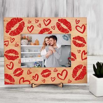 Деревянная фоторамка с цветной печатью «Поцелуи»