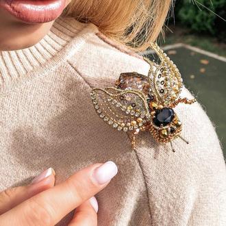 Брошка муха Swarowski  с крыльями и лапками которые регулируются