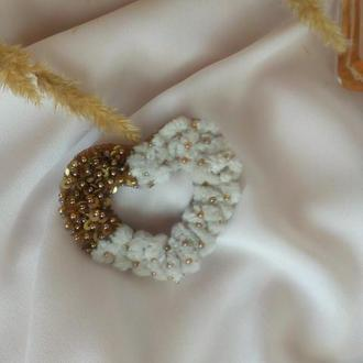 Брошка Золотое сердце вышитая бисером Брошка Золоте серце Подарок валентинка