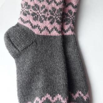 Вязаные носки из нежного мериноса и шерсти.