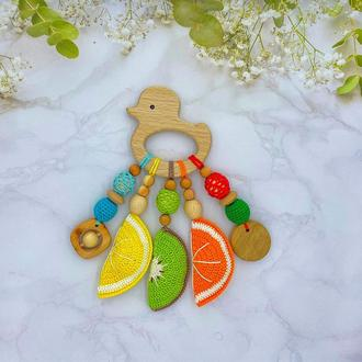 Деревянный грызунок-погремушка фруктово-ягодный, уточка