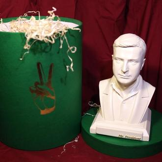 Сувенірна, настільна скульптура(бюст) президента України