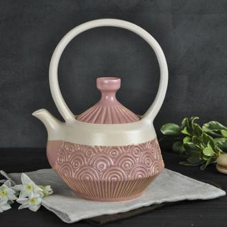 Розовый фактурный чайник для заваривания