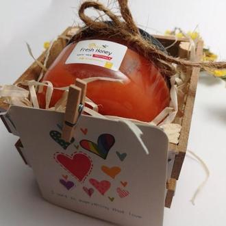 Свадебные бонбоньерки или подарочный бокс крем-мед 100мл для подарка на свадьбу гостям