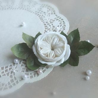 Заколка з піоновидною трояндою