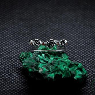 Серебряное кольцо с фианитами Розы