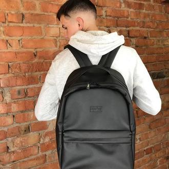Мужской черный рюкзак для путешествий