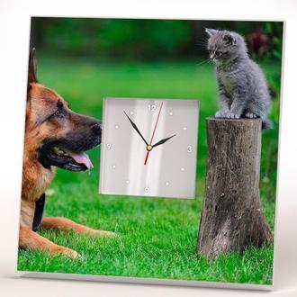 """Часы с рисунком """"Немецкая овчарка и котенок"""""""