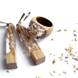 Комплект серьги и кольцо из дерева и ювелирной смолы, с живыми цветами, серьги и кольцо, подарок