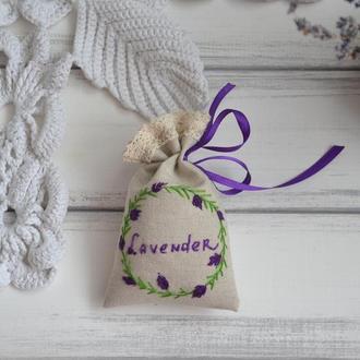 Лавандовое саше с  вышивкой