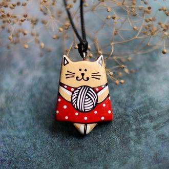 Кулон котик из дерева