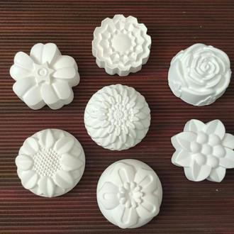 Набор гипсовых игрушек цветы (7 штук разных)