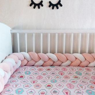 Бортик-коса защита в детскую кроватку