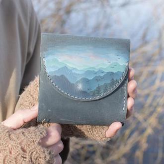 Маленький голубой кожаный кошелек портмоне с ручной росписью горы женский