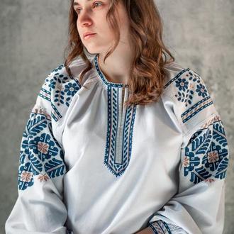 Женская вышитая рубашка
