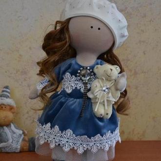 Текстильная интерьерная кукла, в синем платье с биретом