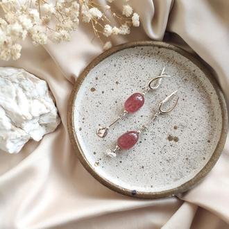 Срібні асиметричні сережки з натуральним полуничним кварцом, Серебряные серьги с кварцом