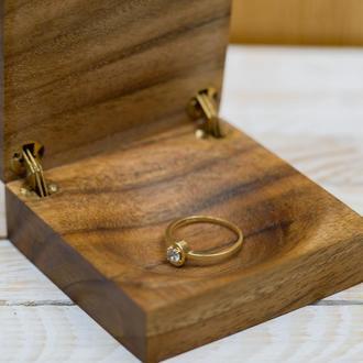 Коробка для весільного перстня