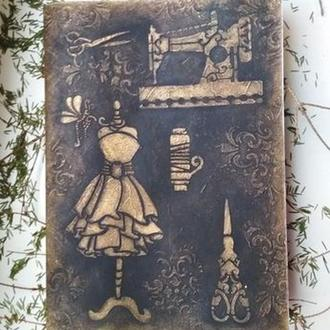 Старинный блокнот для швеи